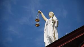 В ходе суда по делу Владимира Быкова возникла необходимость проведения почерковедческой экспертизы