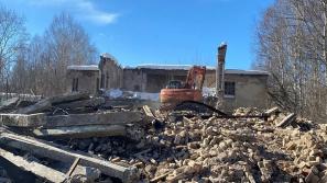 В Кирове начнут снос 13 аварийных зданий на территории бывшего КВАТУ