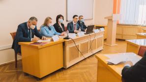 В Кирове пункты прививок от COVID-19 организуют на Театральной площади