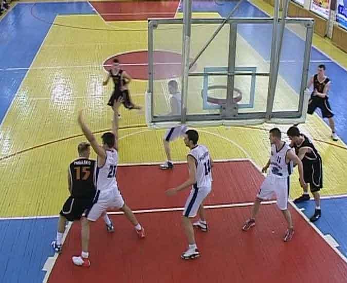 Баскетбольные команды Кирова готовятся к предстоящему сезону
