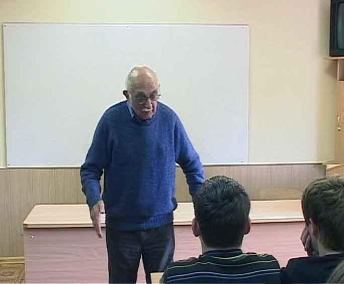 Профессор Лондонского университета читает лекции в Кирове