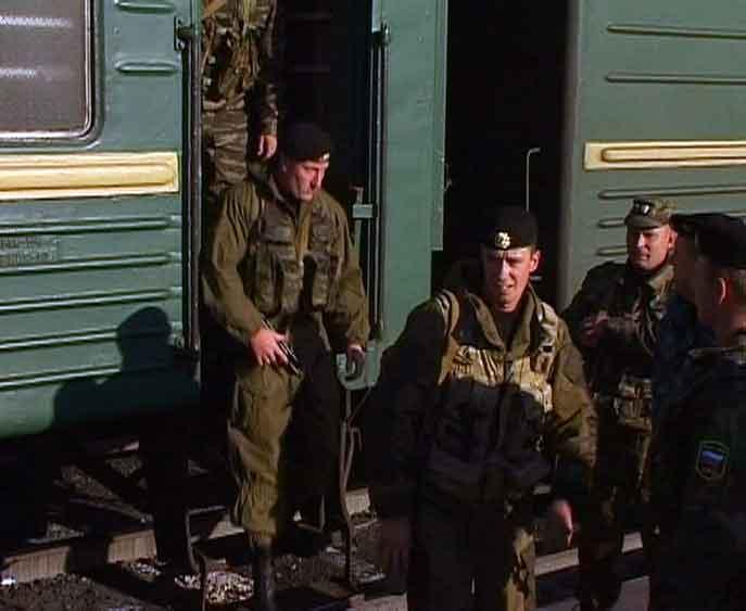 Сегодня вернулся сводный отряд кировского ОМОНа