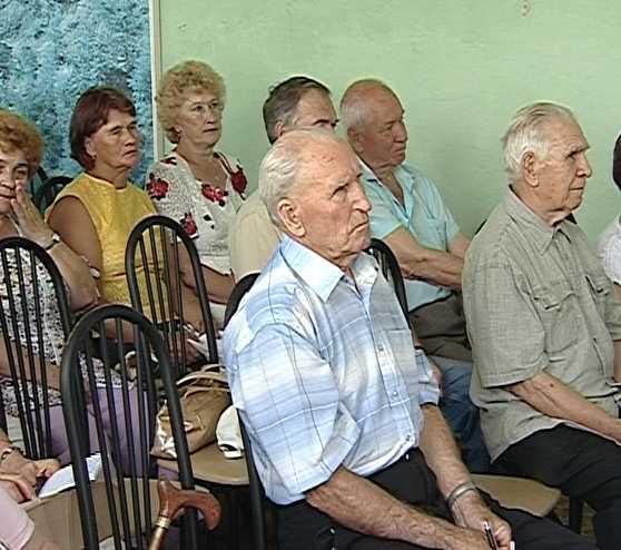 Встреча ветеранов с представителями власти