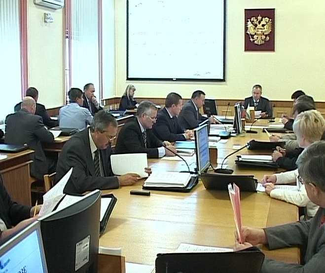 В областном правительстве обсудили развитие и бюджет области до 2011 года