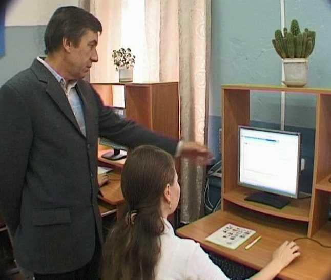 Учитель информатики - умная голова и золотые руки