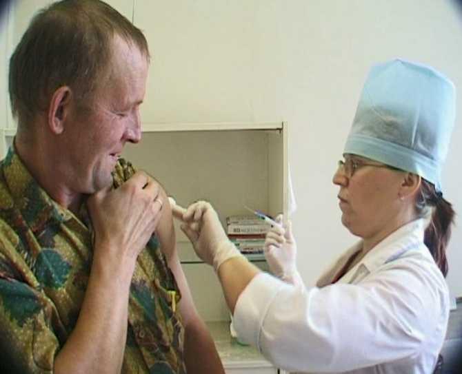 Вакцинация населения в Вятских Полянах