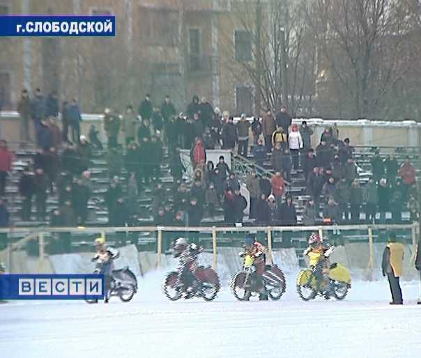 Ледовый спидвей в Слободском