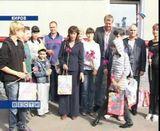 Единороссы собирают детей в школу