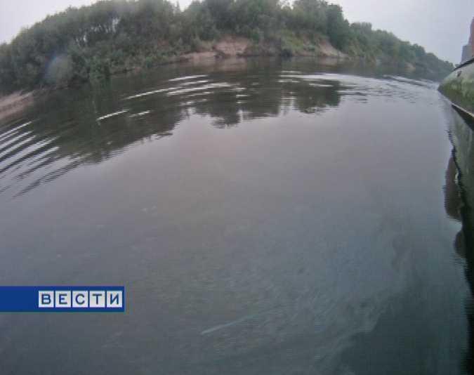 В реку Вятку попало большое количество нефтепродуктов