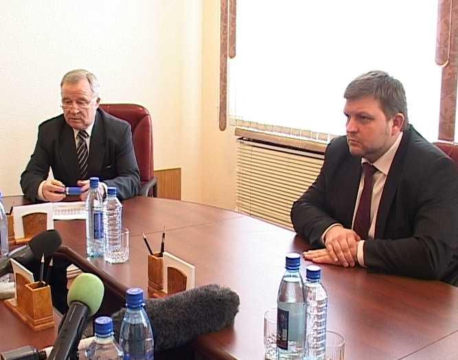 Встреча губернатора с представителями партий