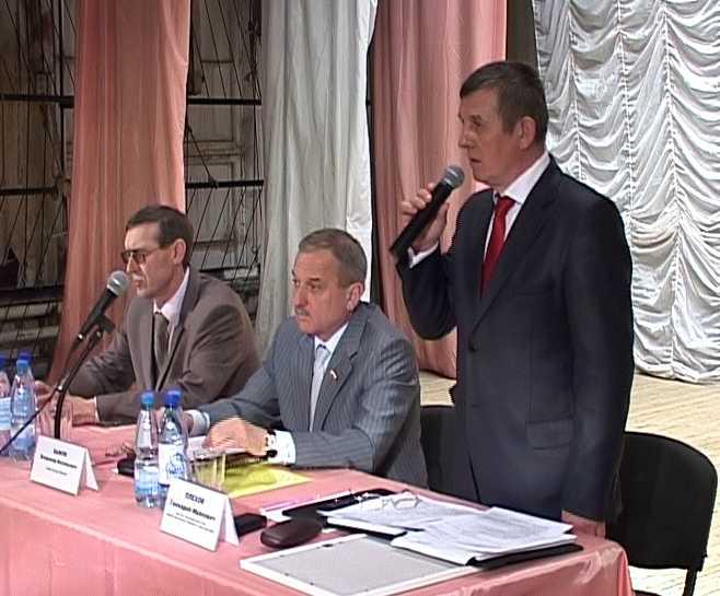 Встреча  Владимира Быкова с жителями Нововятского района