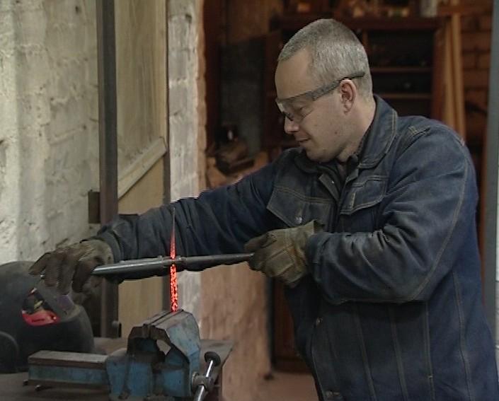 Кузнец-клиночник Антон Жуйков
