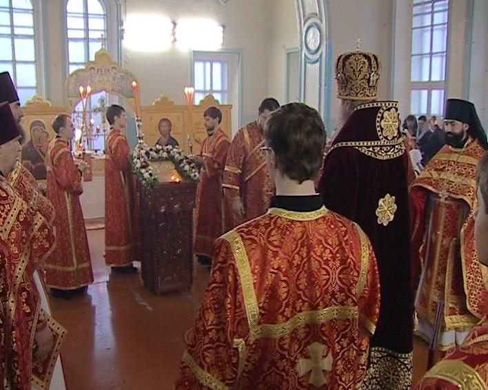 Первая литургия в домовом храме Вятской православной гимназии