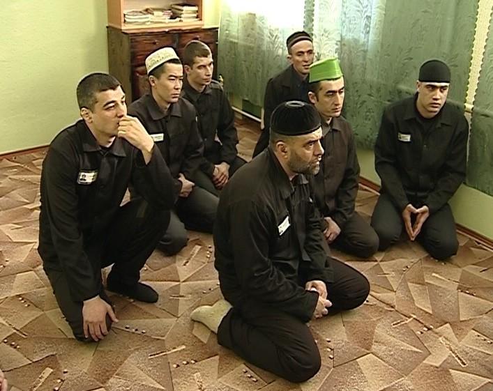 Мечеть за решеткой