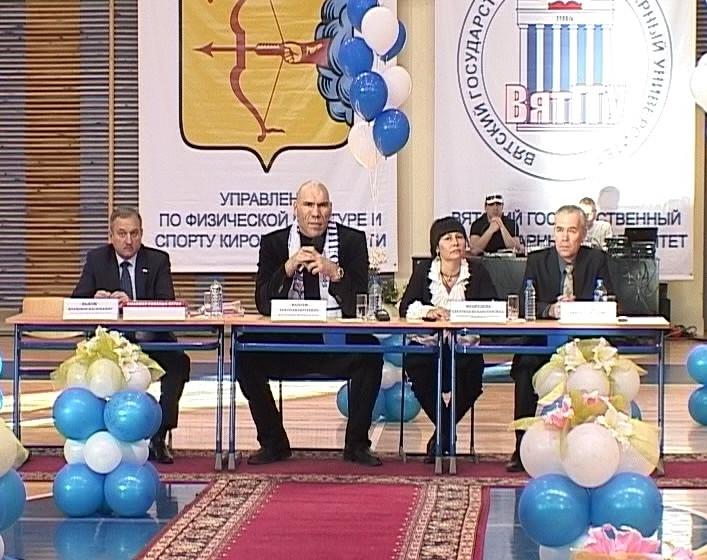 Встреча Николая Валуева со студентами кировских ВУЗов
