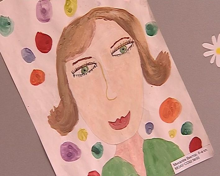Выставка детских рисунков к 8 Марта