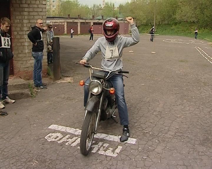 Вести. Образование. Соревнования мотоциклистов