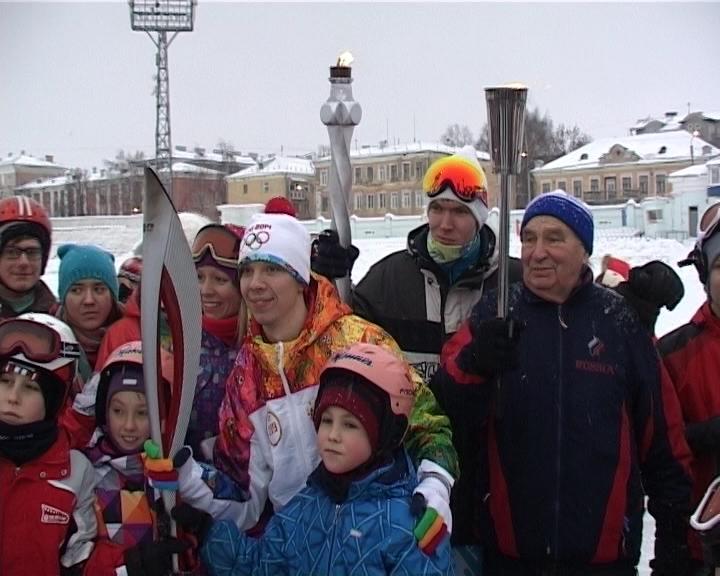 Встреча юных спортсменов с факелоносцами