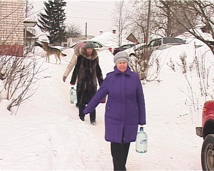 Нет воды в доме по улица Есенина, 7 в поселке Новом города Кирова