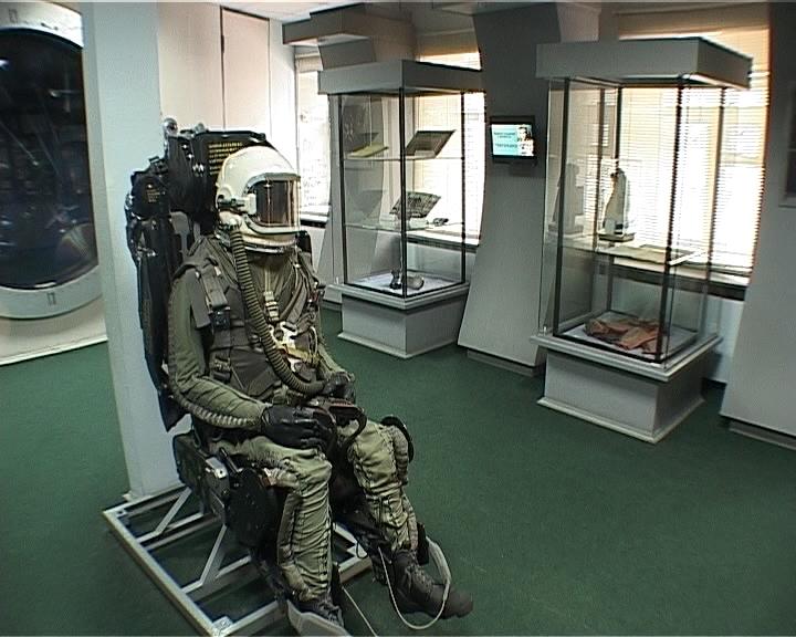 Выставка, посвященная 70-летию со дня рождения лётчика-космонавта Александра Сереброва