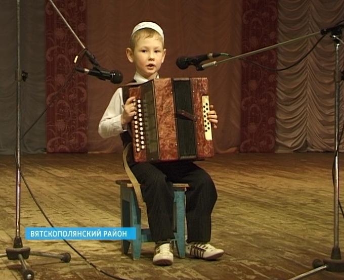 Межрегиональный национальный фестиваль «Играй, гармонь!» в городе Сосновка Вятскополянского района