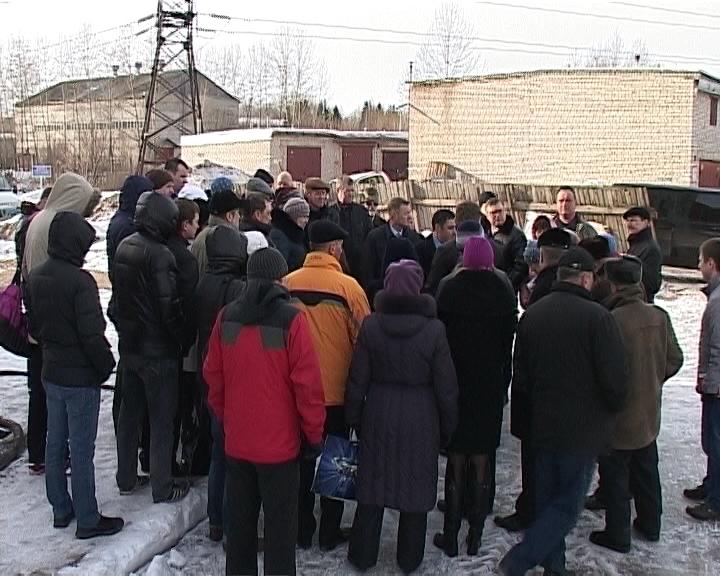 Депутат Госдумы Александр Хинштейн встретился с кировчанами, пострадавшими от деятельности недобросовестных застройщиков