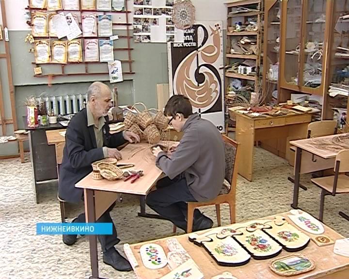 Работы по лозоплетению ученика школы искусств поселка Нижне-Ивкино Игоря Трушкова