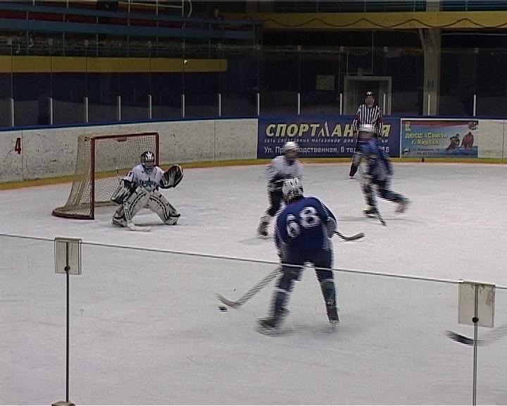 В Кирове проходит финал Первенства России по хоккею с шайбой среди юношей