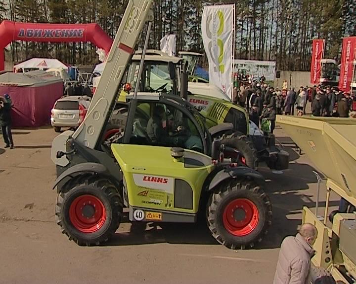 В Кирове открылась ежегодная выставка сельскохозяйственной техники