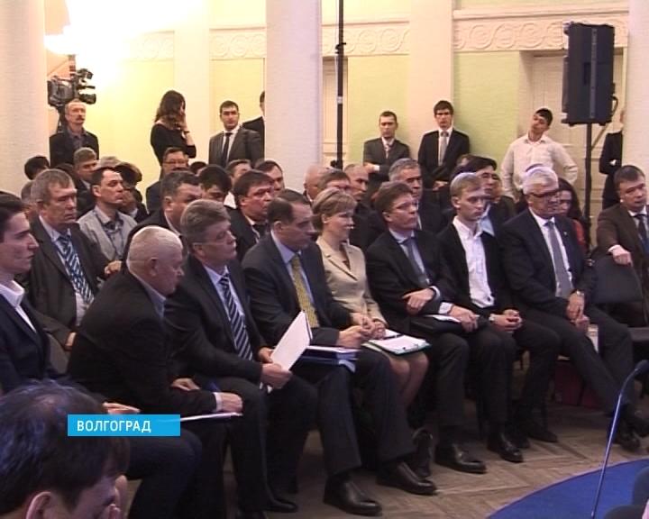 В Волгограде прошел съезд депутатов сельских поселений, организованный партией