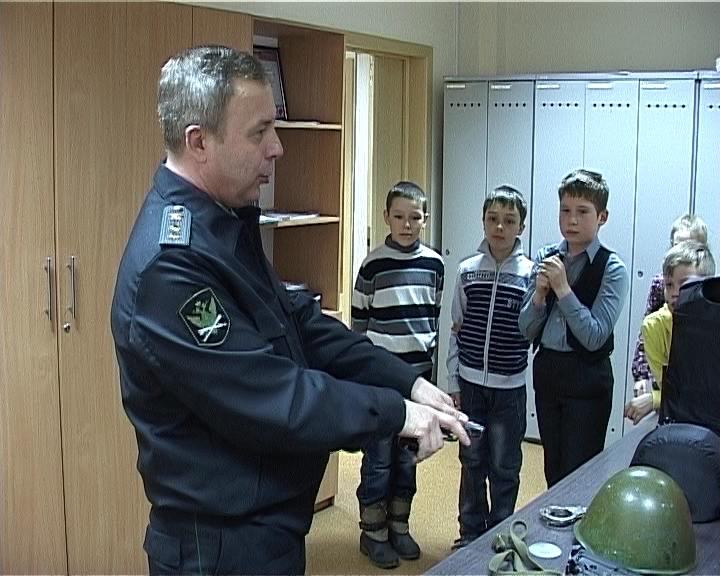 Экскурсия для учащихся школы № 66 в службу судебных приставов
