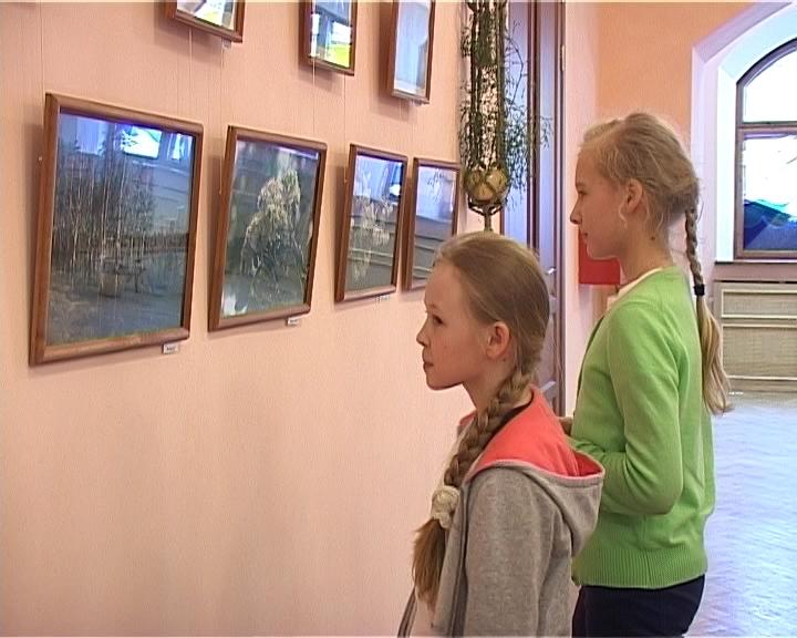 Выставка фоторабот Тамары Рыловой в кировской библиотеке для детей и юношества имени Грина