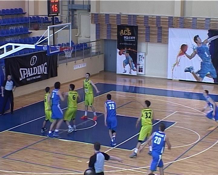В Кирове стартовал окружной финал по студенческому баскетболу с участием восьмерки сильнейших клубов Приволжья