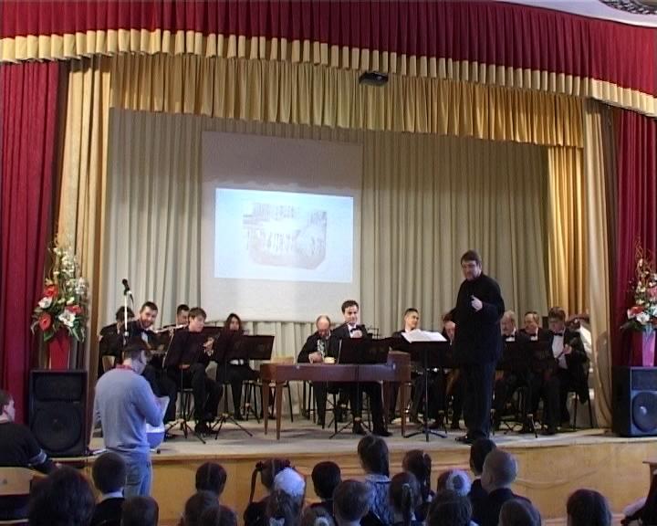 С гастролями в Кирове побывал государственный академический русский народный ансамбль