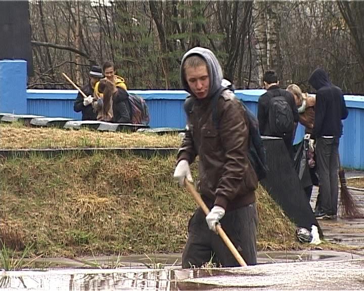 В Кирове на территории мемориального комплекса на Старо-Макарьевском кладбище прошла акция