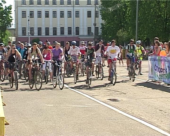 Велопробег на Театральной площади города Кирова