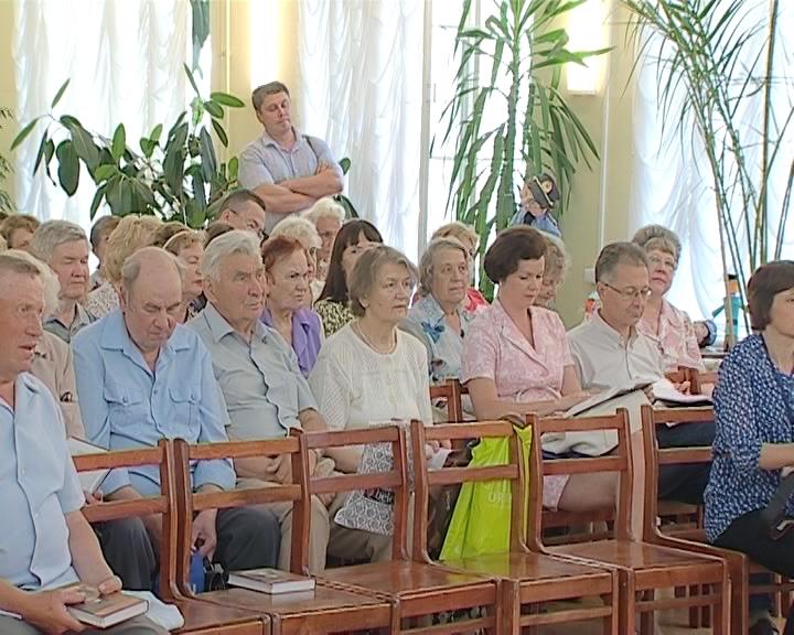 Презентация книги о Нине Тороповой