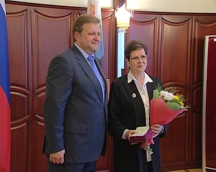 В Кирове вручили высокие награды кировчанам за выдающиеся успехи в труде на благо страны и региона