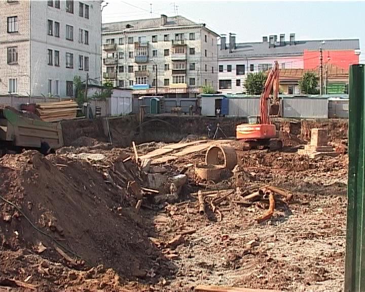 Строительство нового торгового центра напротив филармонии