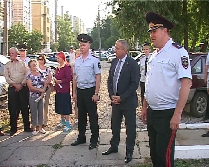 В. Быков и С. Солодовников встретились с жителями Юго-Западного района