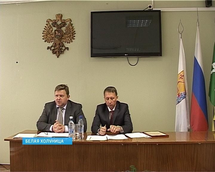 Глава региона Никита Белых провел встречу с жителями Белой Холуницы