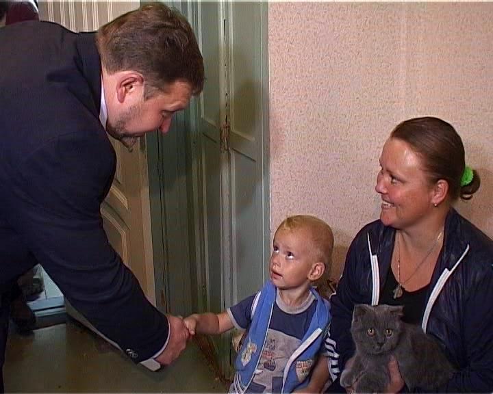 Никита Белых лично проверил места временного размещения беженцев из Украины