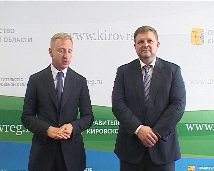 Министр образования Дмитрий Ливанов ответил на вопросы корреспондентов кировских СМИ