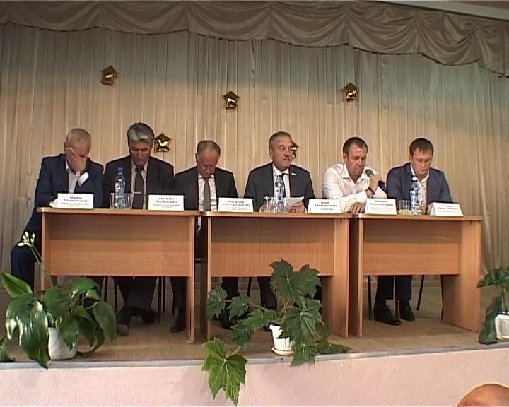 Глава города Владимир Быков провел встречу с жителями Ленинского района
