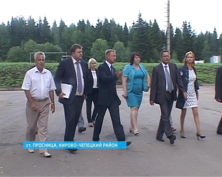 Министр образования Дмитрий Ливанов побывал в Просницком лицее