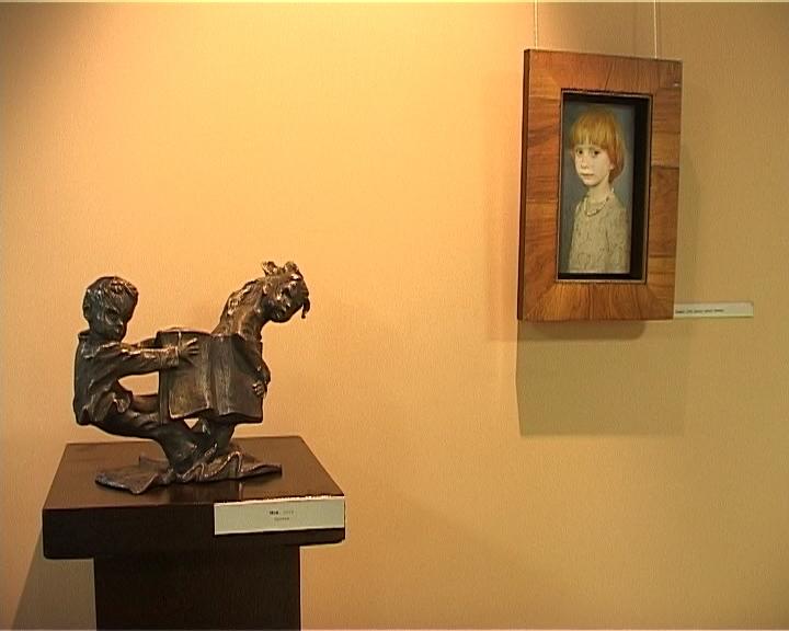 Выставка скульптур Олега Закоморного и картин Татьяны Чувашевой