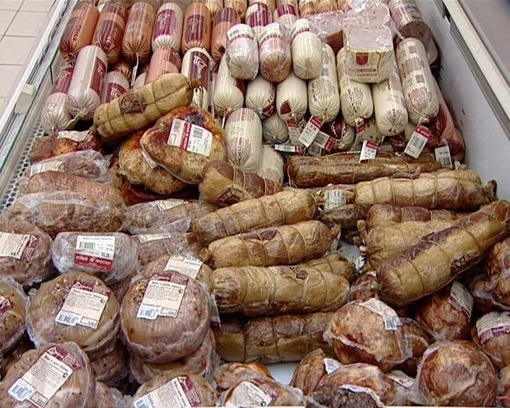 С сегодняшнего дня в России вступил в силу запрет на импорт из Евросоюза субпродуктов, которые используются в качестве сырья для мясной промышленности.