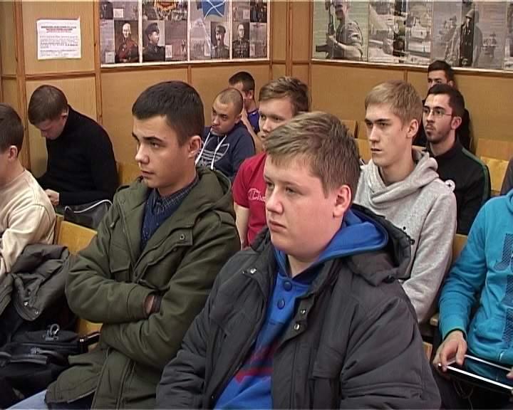 В Кирове продолжается осенний призыв