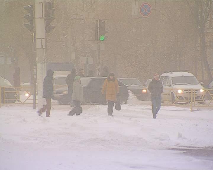 Администрация города Кирова напомнила об уборке снега