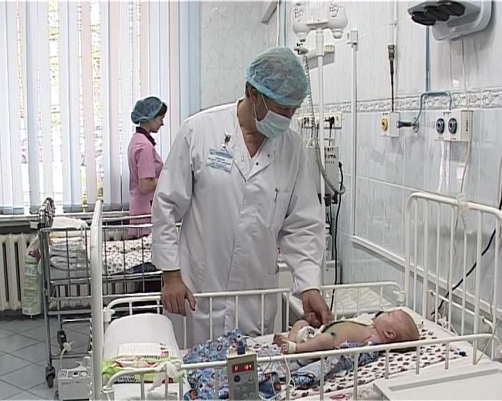 Заведующий хирургическим отделением ДОКБ Валентин Скобелев